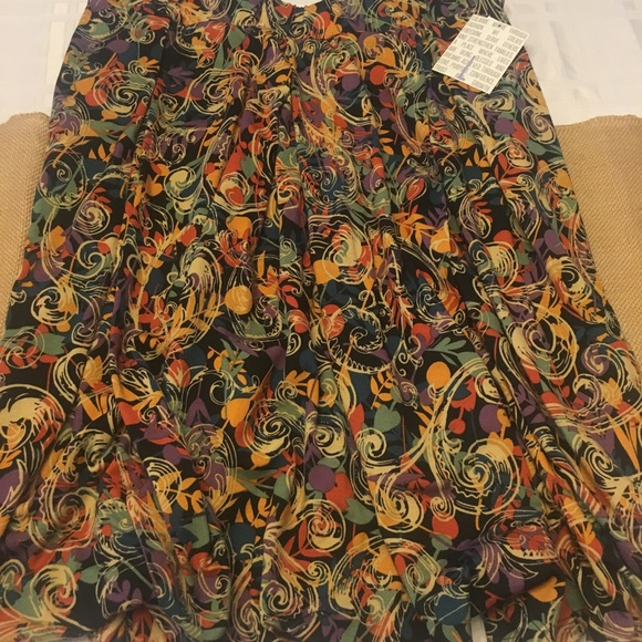 LuLaRoe Dresses & Skirts - NWT LuLaRoe Large Madison skirt